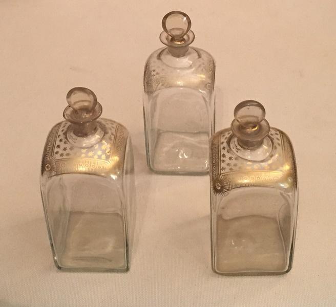 3 Flacons en verre XVIIIème