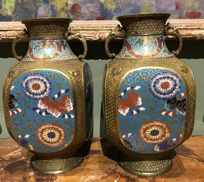 Paire de vases cloisonnés Asie XIXème
