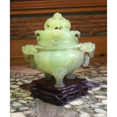 Vase couvert en jade Chine XIXème
