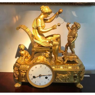Pendule en bronze doré époque Romantique